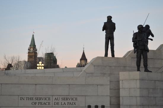 Peacekeeping Monument : Monument by morning