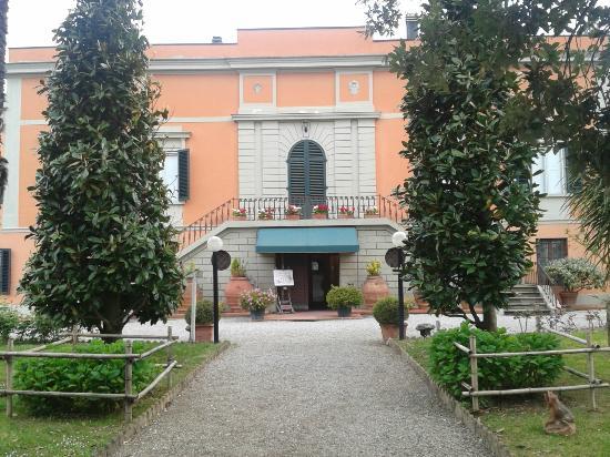 Agriturismo Villa de' Fiori : Esterno della villa
