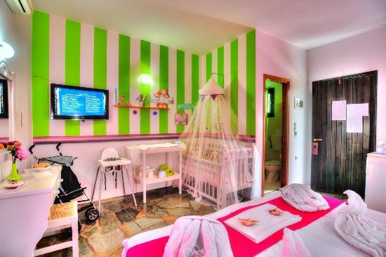 Eleni Rooms: Children-Family room