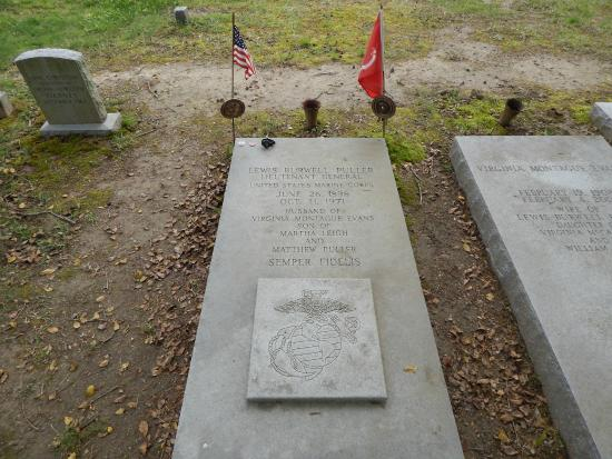Christchurch, VA: LTG Chesty Puller's grave - most decorated Marine