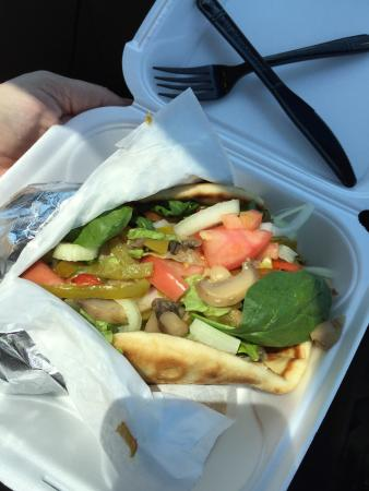 Hogansville, GA: Fresh Veggie Pita!