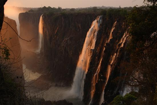 Livingstone, Zambia: Victoria Fall sunset