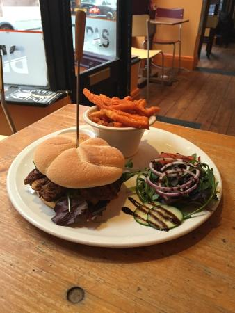Westcoast Bar & Grill: Chicken burger and sweet potato chips