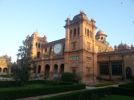 Peshawar, Pakistan: Spectacular buildings