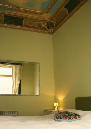Bed & Art Hostel : eco-Suite Earth