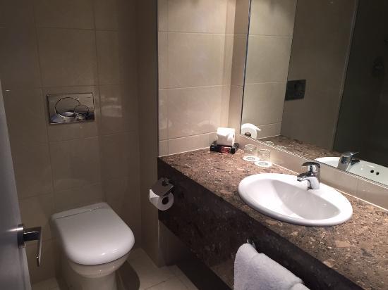 Copthorne Hotel Palmerston North: Bathroom
