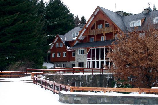 Hotel Tunquelen: Temporada de Ski en Bariloche, Relax a orillas del Lago