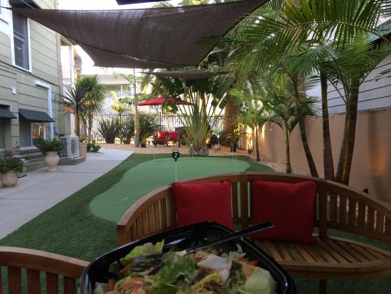 Parc Suites San Diego: An afternoon hour in the garden