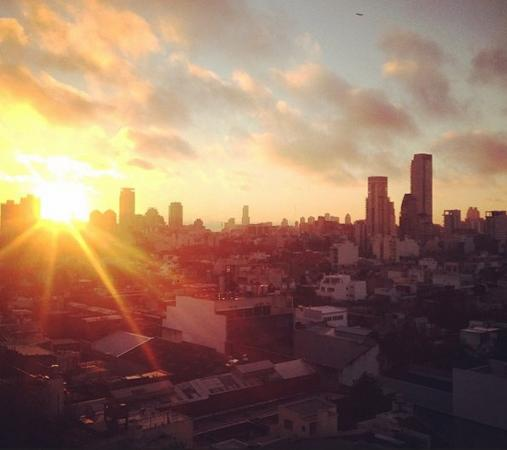 Apart Hotel & Spa Congreso: Amanece en la ciudad de la furia