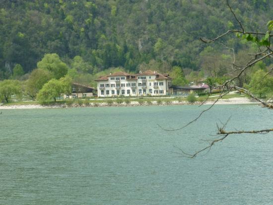 Hotel Lido : dal lago