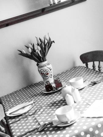 Ty Helyg Bed & Breakfast: Breakfast