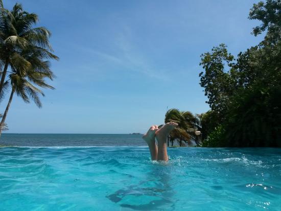 Hotel Venetur Margarita: piscina raia infinita