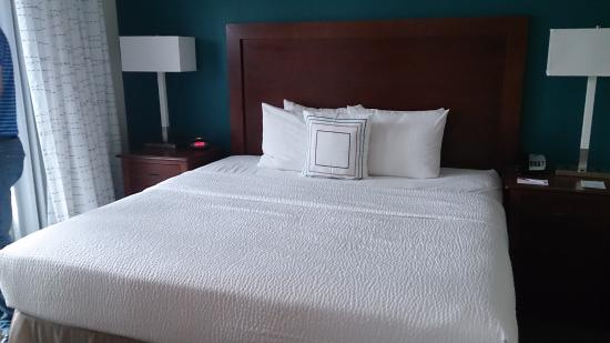 Residence Inn DFW Airport North/Grapevine: Queen bed