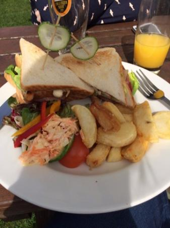 Chequers Inn Hotel and Restaurant: Club Sandwich