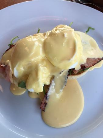 Moxies Cafe : Eggs B