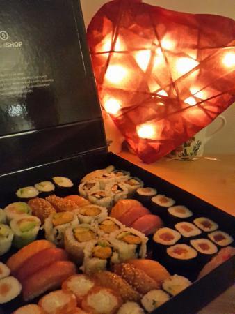 Sushi Shop: Love sushi ...