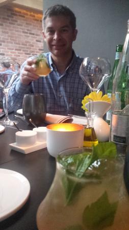 Zarza : Het huis-aperitief. De toon was direct gezet :-). Fris en superlekker!