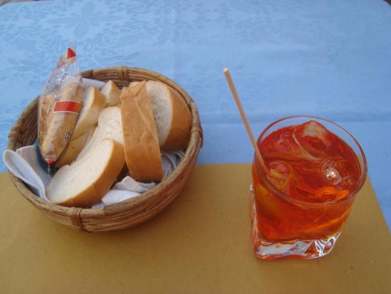 Il Caffe (aka Caffe Rosso): Spritz