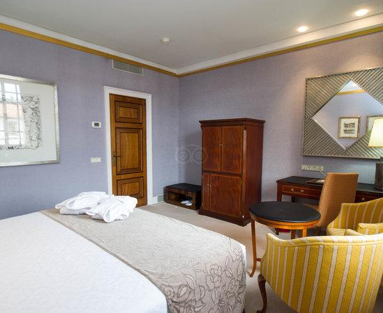 The Premium Room with View at the Eurostars Hotel de la Reconquista