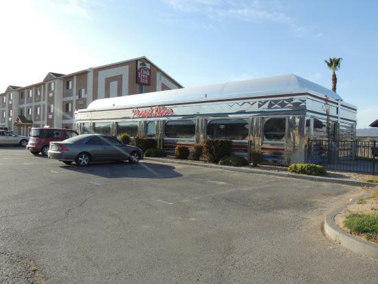 Baymont Inn Suites Yermo Outside Penny S Diner