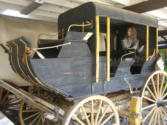 The Kern Valley Museum : John Wayne rode in this stagecoach in a movie. Now a creepy fake lady hangs out in it.