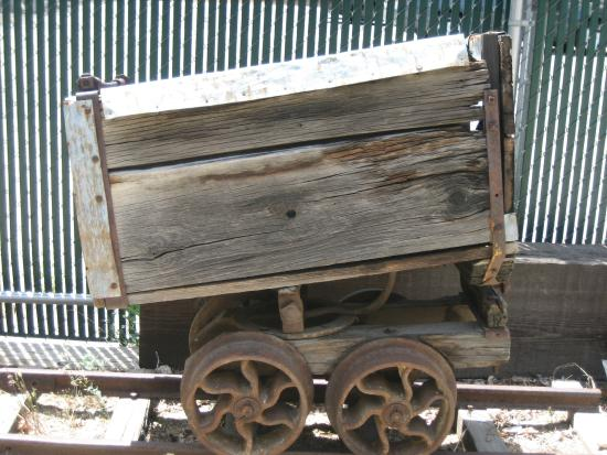 The Kern Valley Museum : Car from a mining operation