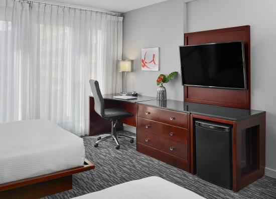 Matrix Hotel: Guestrooms | Deluxe Double Double Desk