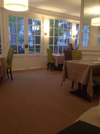 Le Restaurant De La Mascotte : Restaurant as seen from our table