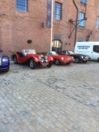 More nice cars, 2 E type jags.