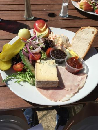 The Griffin: Ploughman's Lunch