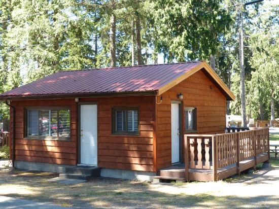 Riverbend Resort: One Bedroom Cottage