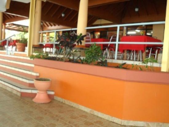 Playa del Este Resort : Upper dining area