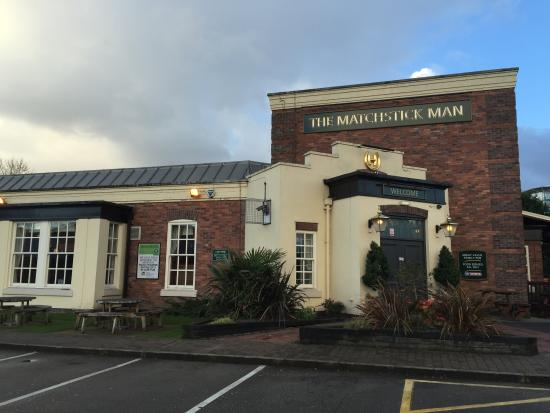 Hungry Horse - The Matchstick Man: Pub is adjacent to Salford Quays Metrolink stop