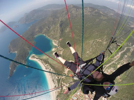 Escape 2 Olympos: Smooth flying with the view of the blue lagoon