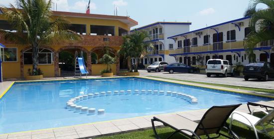 Yautepec, Мексика: Hermosa su piscina...ve la resbaladilla