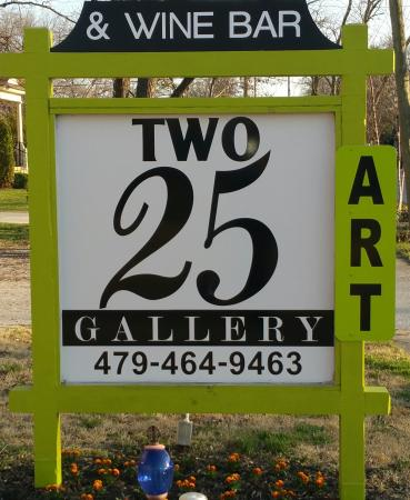 Two25 Gallery & Wine Bar