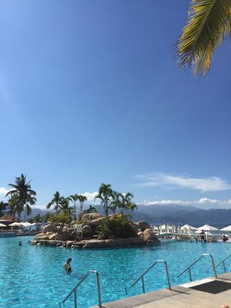 Marriott Puerto Vallarta Resort & Spa: Pool