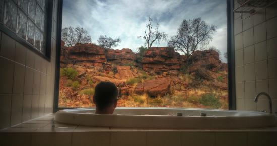 Kings Canyon Resort: Relaxing in the Spa