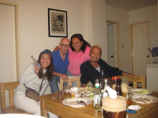 New japanese friends at the adjacent guest house english for Friend in japanese