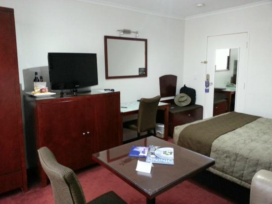 BEST WESTERN Ensenada Motor Inn: Partial view of room 3