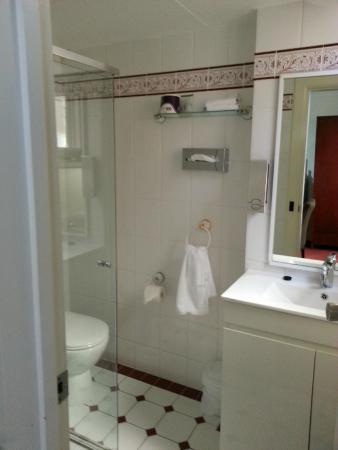 BEST WESTERN Ensenada Motor Inn: En-suite room 3
