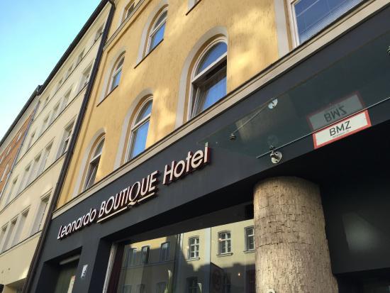 Leonardo Boutique Hotel : ホテル正面
