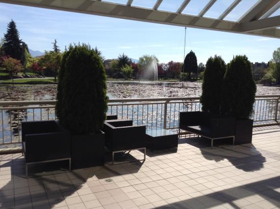 Coast Chilliwack Hotel: Nice weather, but patio was officially closed. This outdoor option for food and beverage service