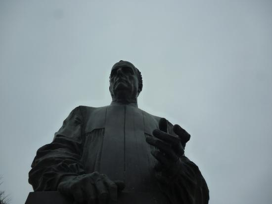 памятник Собчаку