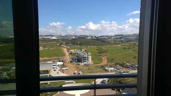 Ramada Plaza Istanbul Asia Airport: Hotel view, location ideal for Sabiha Airport and business based around Kocaeli.