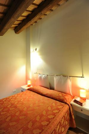 Honey Rooms Ferrara: camera soppalcata