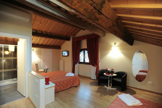 Honey Rooms Ferrara: suite