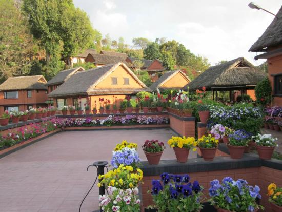 Dhulikhel Mountain Resort: Courtyard