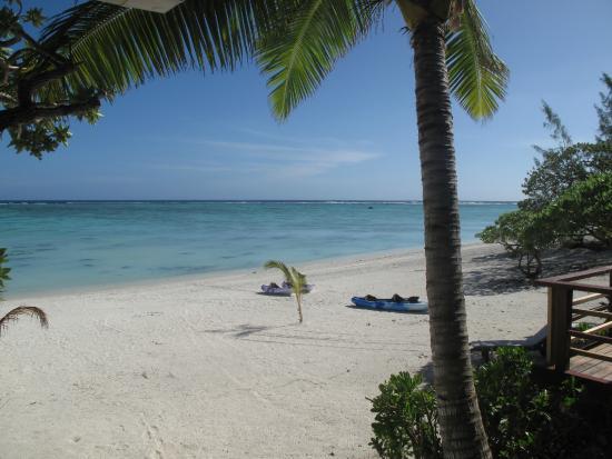 Aitutaki Seaside: Beach