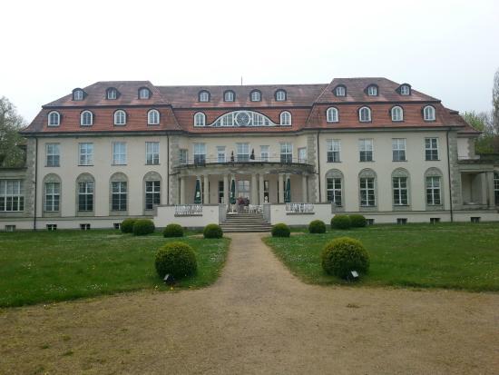 Hotel Schloss Storkau: Hotel und Park